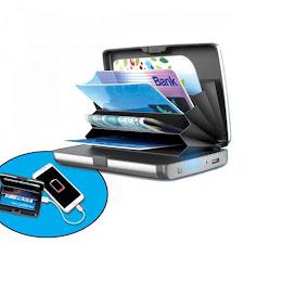 Portofel cu acumulator si protectie antiscanare carduri
