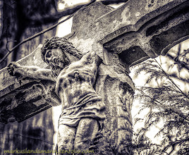 Photo: Good morning and a wonderful day to all.  This is a hdr made by 3 photos during a #photowalk through #Cologne over the #melatencemetery . Upload for the site +KPW H-12 , that will organise a photowalk over this wonderful big cemetery. By +Cornel Krämer and +Melanie MP  This song would be sounds good to the photo I think.:) http://youtu.be/26DD0JwAbAc  #bw #blackandwhitephotography  #hdr +HDR Photographers  Prints? This way -> http://markuslandsmann.zenfolio.com/