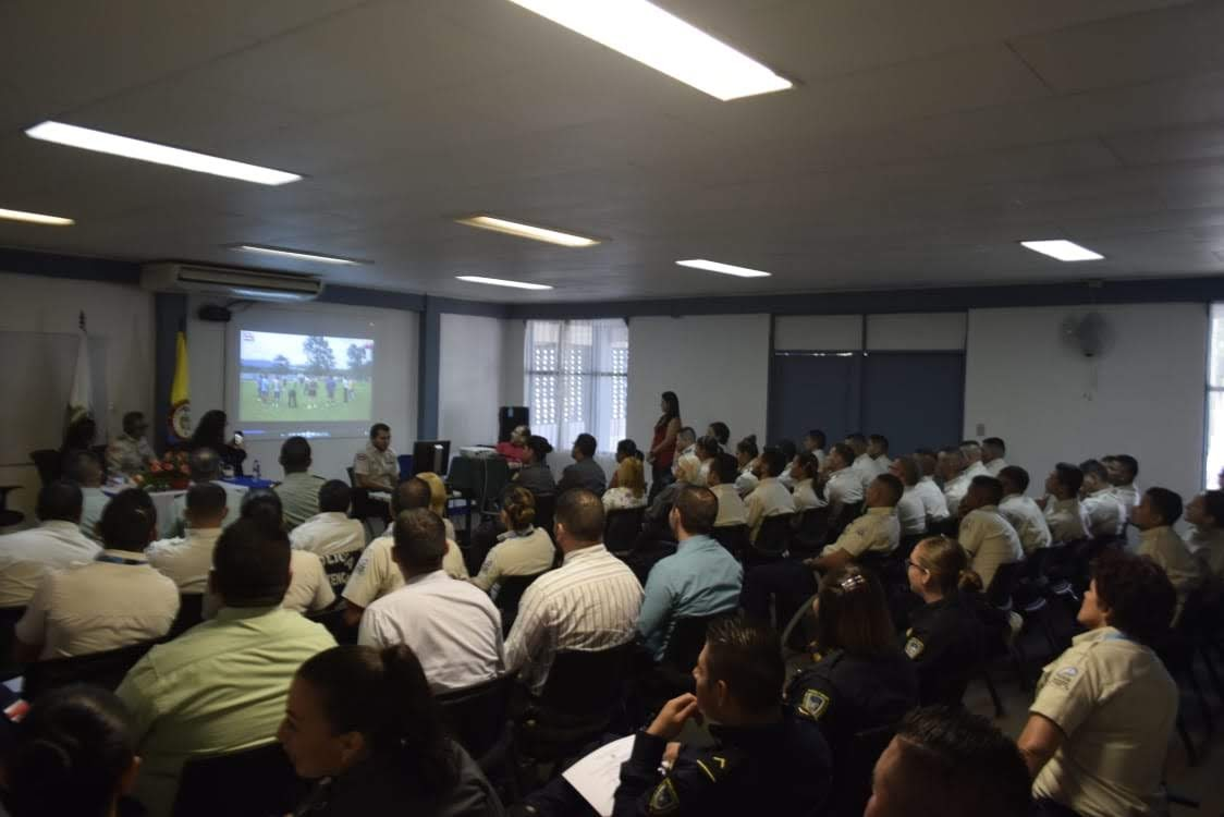POLICÍAS CULMINARON FORMACIÓN INTERNACIONAL