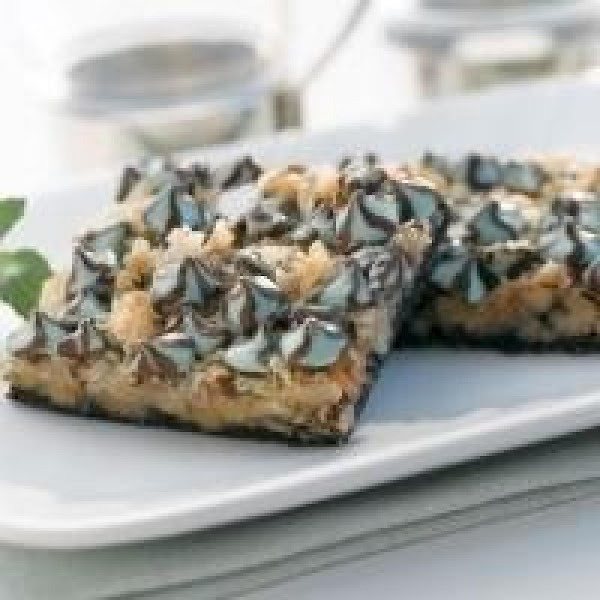 Scrumptious Chocolate Mint Layer Bars Recipe