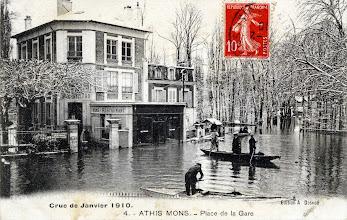 Photo: 4. - Athis-Mons. - Place de la Gare - Crue de Janvier 1910