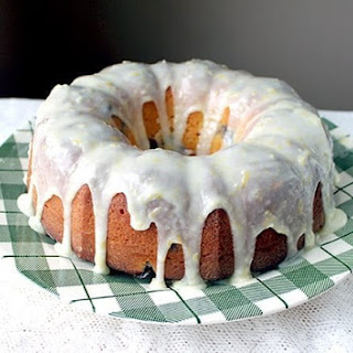 How to Make a Lemon Icing Glaze Recipe
