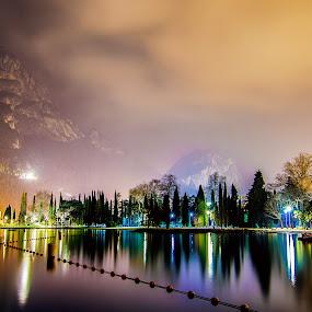 A magic night. by Mattia Bonavida - Landscapes Starscapes ( water, amazing, lights, landscape, nikon, italy, photography, nightscape )