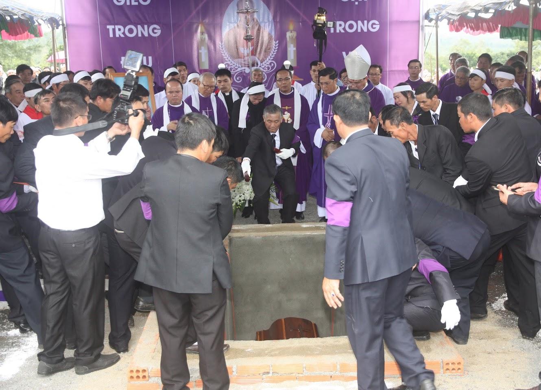 Thánh lễ an táng Cha Đaminh Vũ Đức Hậu - Giáo phận Ban Mê Thuột - Ảnh minh hoạ 16