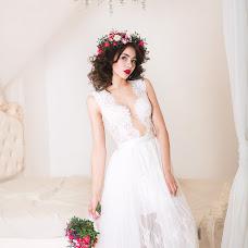 Wedding photographer Anastasiya Komyagina (AKom). Photo of 18.04.2016