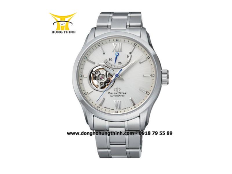 Cận cảnh chiếc đồng hồ Orient Star Open Heart mang lại cho người đeo cảm nhận rõ ràng nhất từng chuyển động của bộ máy bên trong (Chi tiết sản phẩm tại đây)