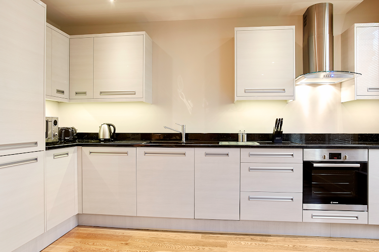 Fully equipped kitchen at Bank House - Reading