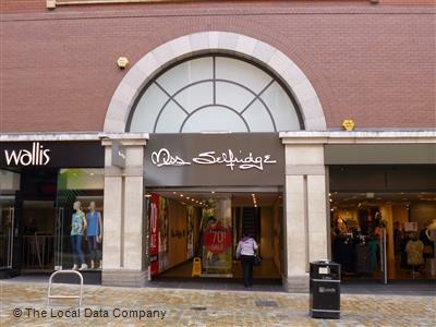 9b27f91615c Miss Selfridge on Lands Lane - Fashion Shops in City Centre, Leeds ...