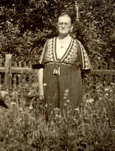 Photo: Parlee Webb Henson, flower garden in Lincoln, IL. For information about why Parlee's family left the Illinois Ozarks, see http://findinglincolnillinois.com/ruthhensons.html.