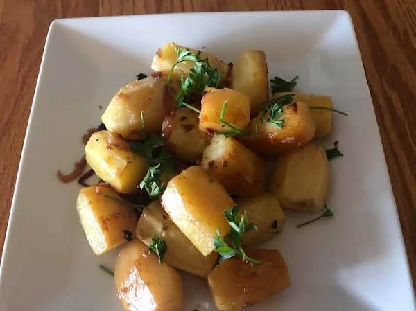 Wine Roasted Fingerling Potatoes With Onions
