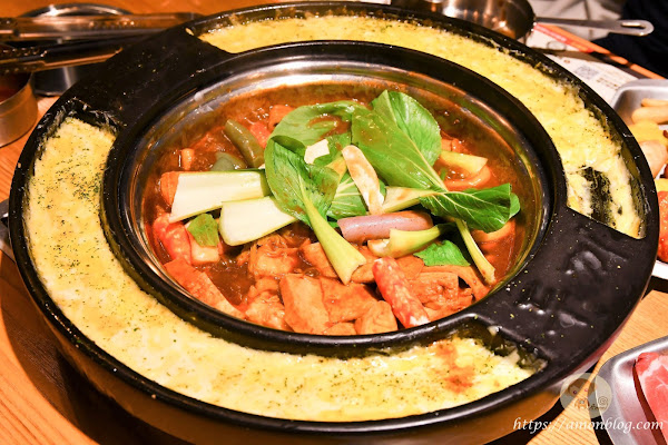 『 兩餐 』 두끼 韓國年糕火鍋吃到飽 嘉義店