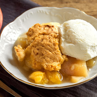 Slow Cooked Homemade Peach Cobbler