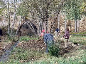 Photo: Labores de limpieza en las inmediaciones del merendero