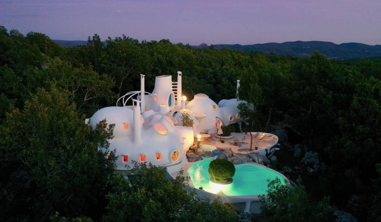 Property with pool Uzès