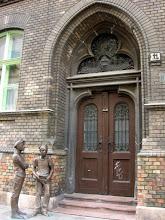 Photo: Budapest, VIII., Práter utca 11. – Szanyi Péter: Pál utcai fiúk szoborcsoportja (2007)