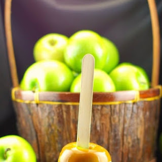 Salted Toffee Caramel Apples.