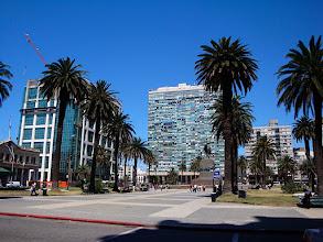Photo: Montevideo - Plaza Independencia