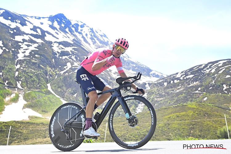 Urán heerst in klimtijdrit en maakt het nog warm voor Carapaz, Dumoulin voor het eerst sinds comeback in top 5