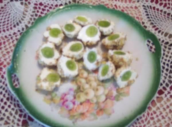 Green Grape Appetizers (alligator Eyes)