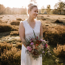 Wedding photographer Antonia Mettenborg (momentonia). Photo of 01.04.2018