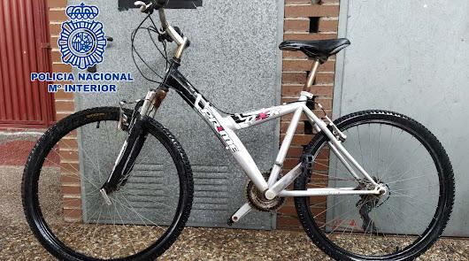 Detenidos dos ladrones de bicicletas en la capital y su perista