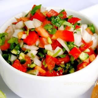 How to Make Authentic Salsa Mexicana (Pico de Gallo) / Cómo Hacer Salsa Pico de Gallo.