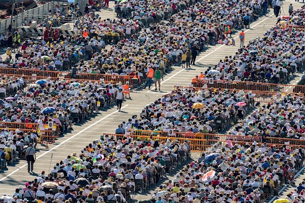 Pope Francis Mass di Andrea Izzotti