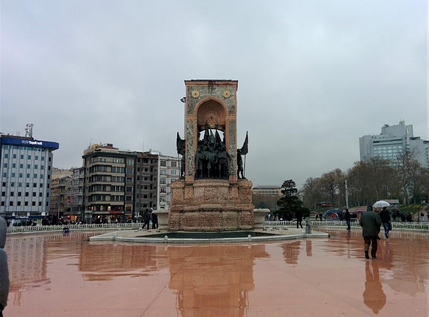 Qué ver en Estambul. plaza Taksim