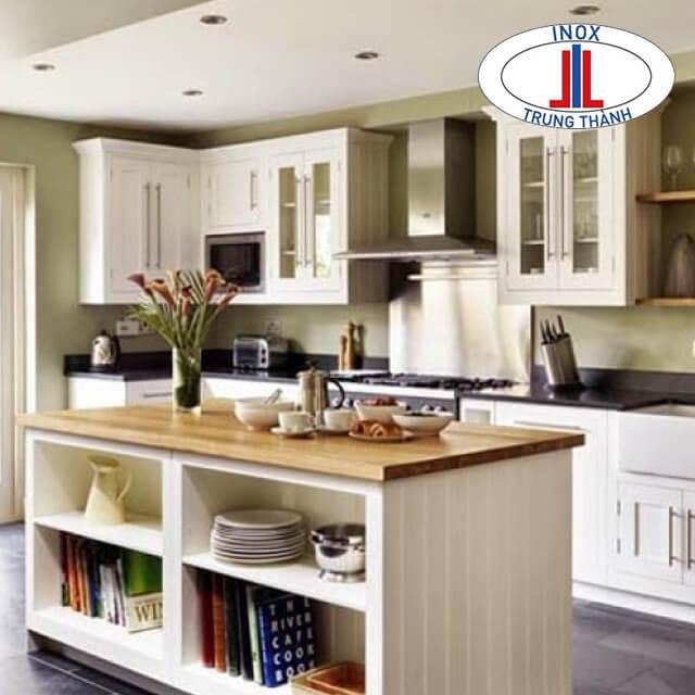 Thiết kế tủ bếp trắng đẹp tân cổ điển
