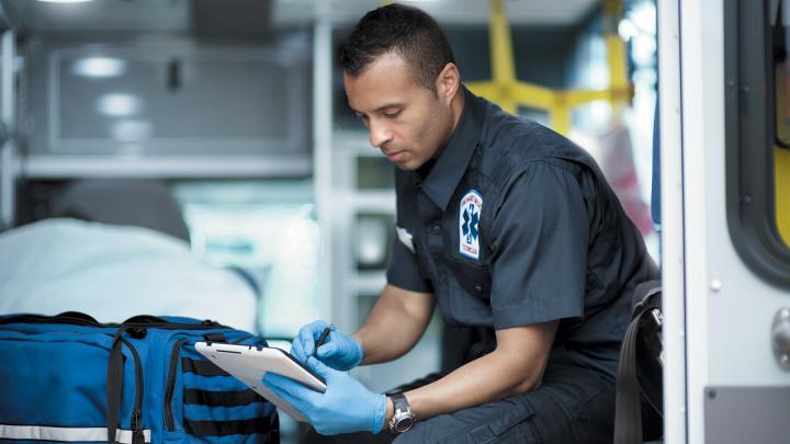 65702-int-brand-1020-emt-ambulance-rwd.jpg.rendition.intel.web.720.405.jpg