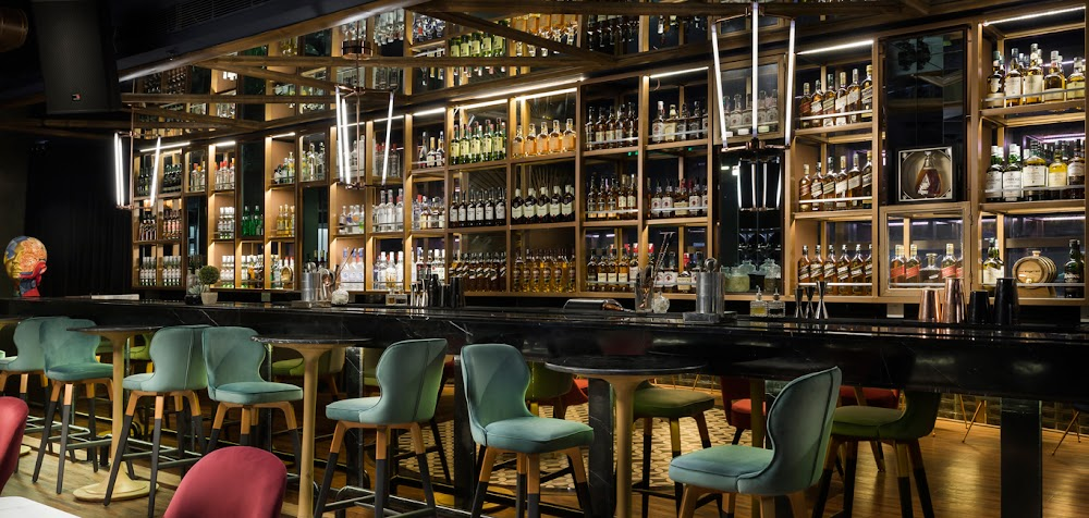 places-with-no-cover-charge-gurgaon_the_whisky_bar_1