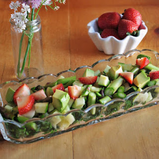 Super Green Salad with Strawberries