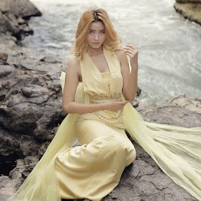 River by Iwan Setiawan - People Fashion