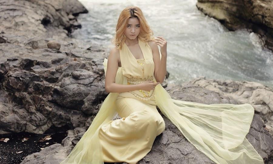 River by Iwan Setiawan - People Fashion