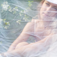Wedding photographer Yuliya Zotanina (ulza-luna). Photo of 04.06.2013