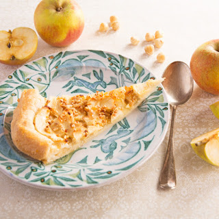Apple tart with marzipan – perfect for Easter.