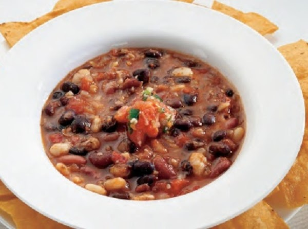 We like to serve our chili with accompaniments - which is half the fun...