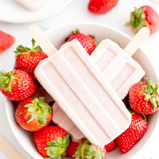 Vegan Strawberry Coconut Popsicles (Gluten Free, Dairy Free, Paleo).