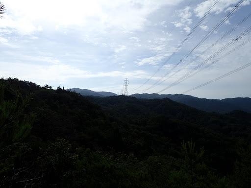 鉄塔近くの岩場からの展望