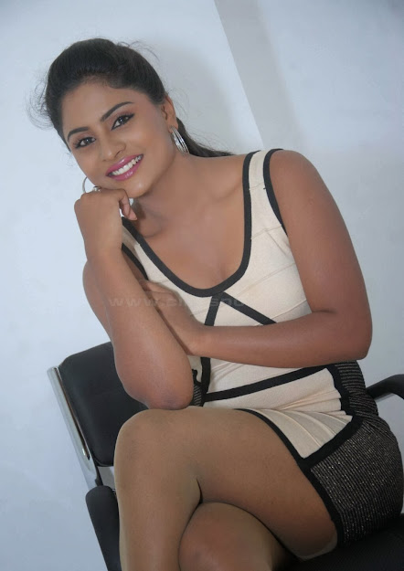 Deepika Das smile, Deepika Das in sexy dress