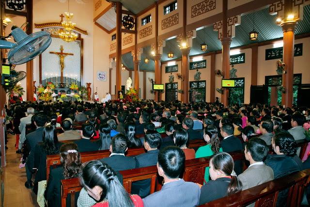 GP Phát Diệm: Gần 300 cặp vợ chồng mừng kỷ niệm thành hôn - Ảnh minh hoạ 8