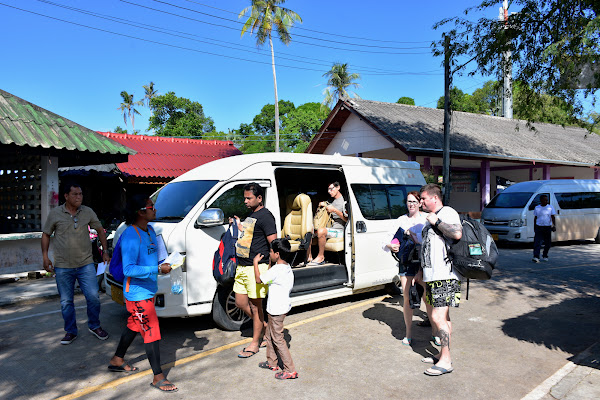 Pickup service by minivan from the hotel in Krabi