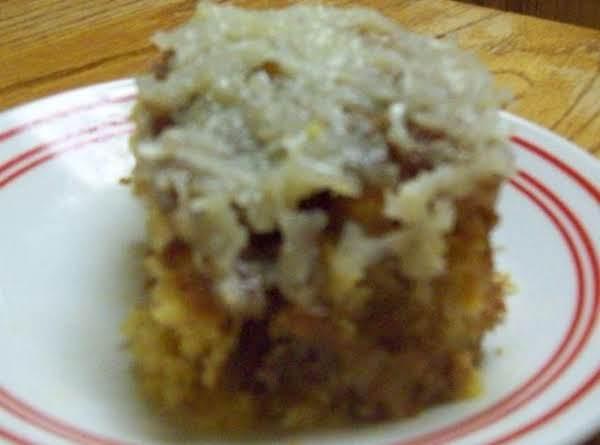 Banana-coconut Crunch Cake