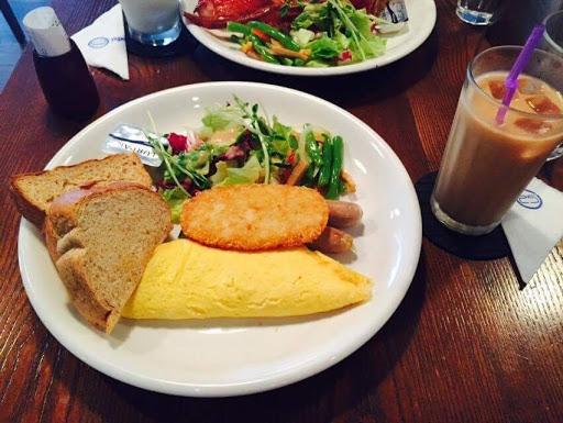 中規中矩,讓早鳥不孤單的早午餐! 食材新鮮,加上附餐可以吃超級無敵飽!