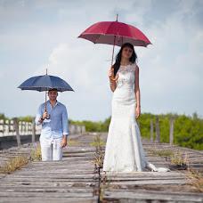 Wedding photographer Dmitriy Saparov (Amoralez). Photo of 10.12.2013