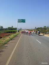 Photo: Peloton after the U-turn.. Even after dropping many riders, the peloton was quite big..