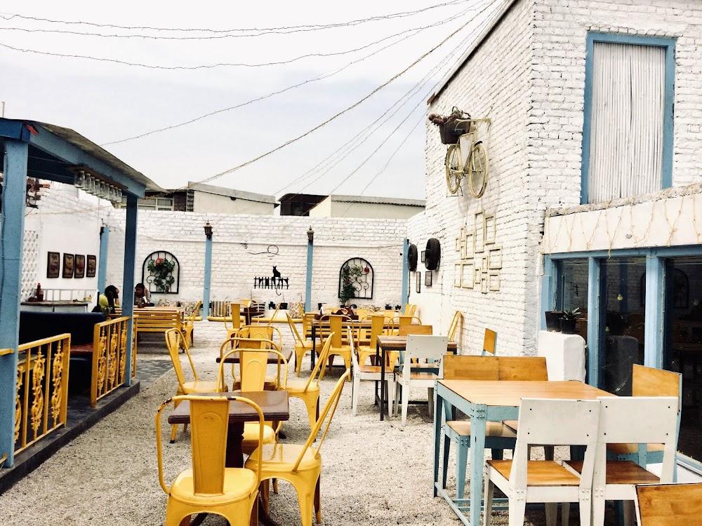 most-romantic-restaurants-delhi-ncr-Cafe_27