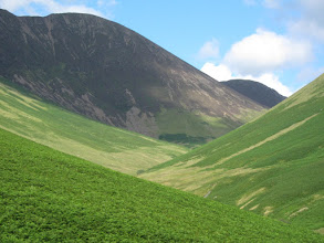 Photo: Looking back, the trail we came on is faintly visible,  especially below the gray scree of the penultimate fell.