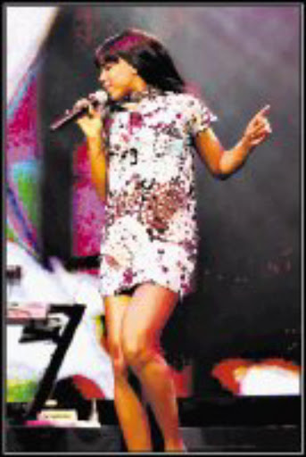 SUPERSTAR: Kelly Rowland wows the audience. Pic. Tshepo Kekana. 12/06/08. © Sowetan.