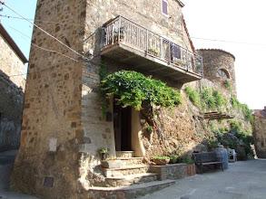 Photo: ... der Ort sehr klein, alt und dünn besiedelt.